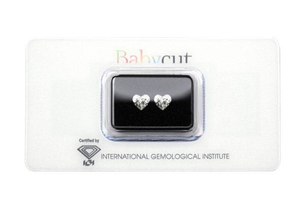 Blister Babycut con due diamanti a cuore da un carato l'uno - Foto Prodotto