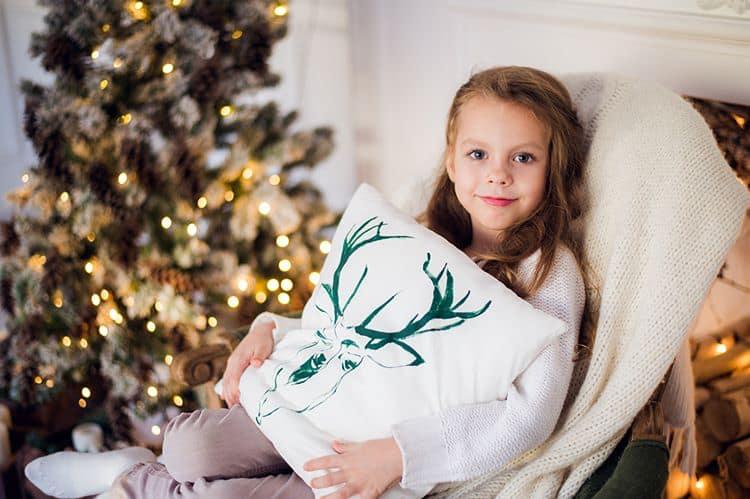 Babycut - Bambina che festeggia il Natale